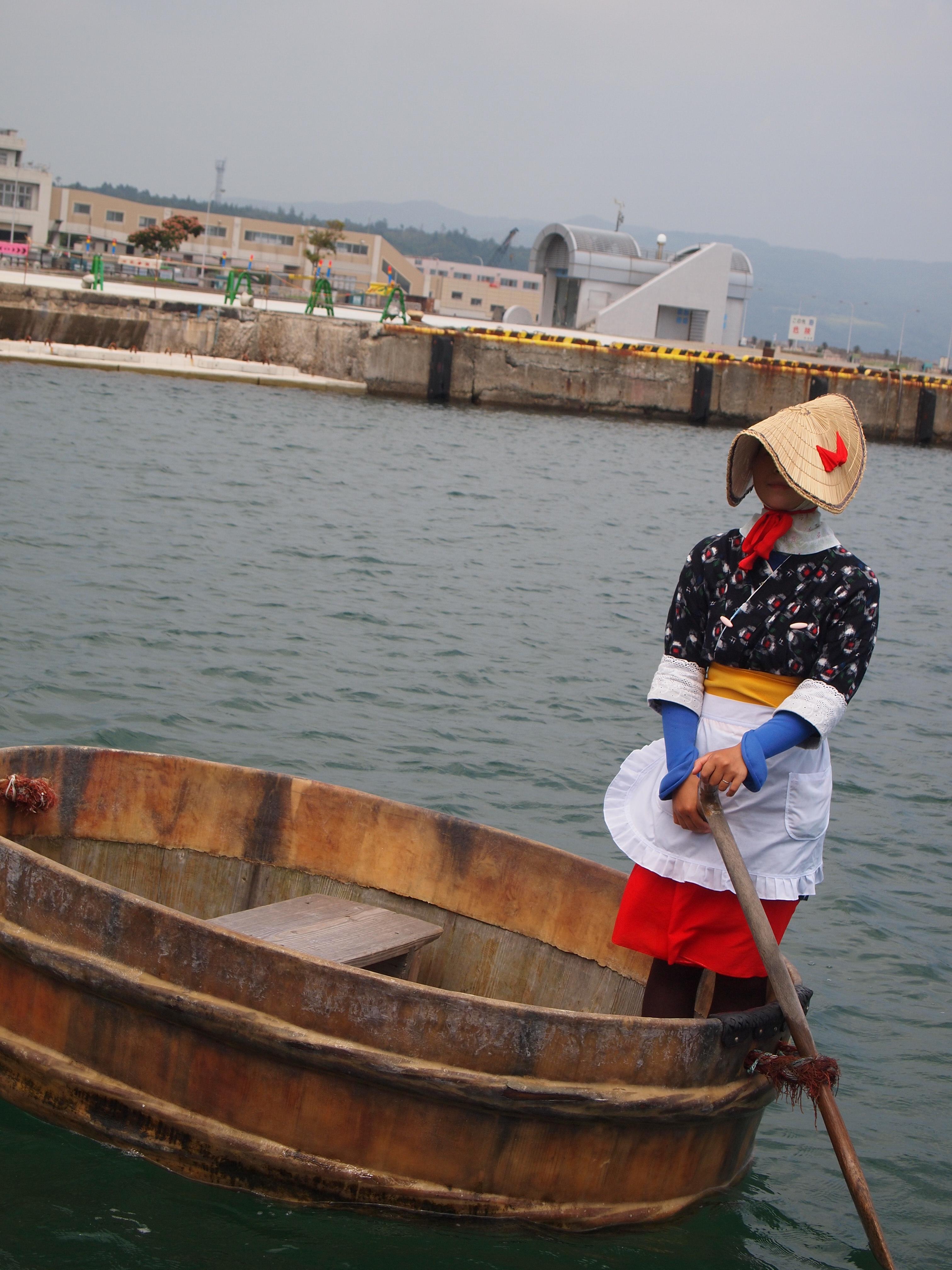 小木港的木盆舟。