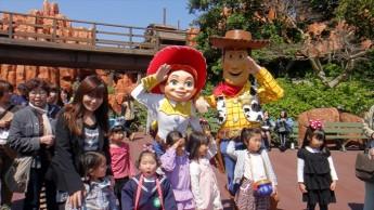 迪斯尼乐园是大人和小孩的天堂!