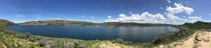 犹他州湖泊与山脉并驾齐驱。