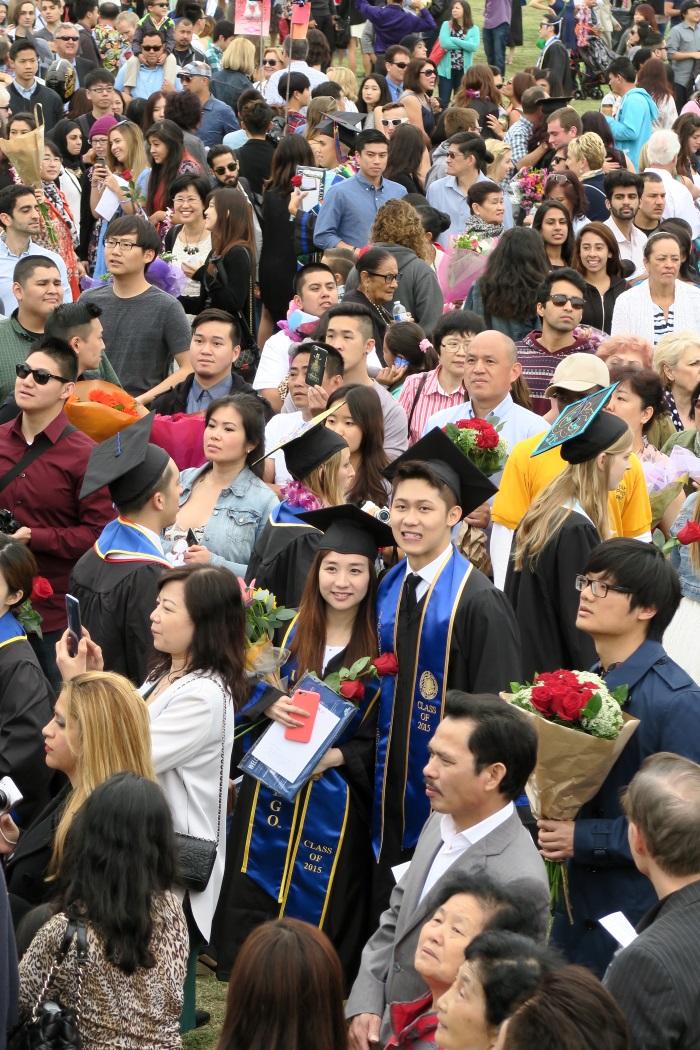 再穷也不能穷教育;留學生是國家的未來主人翁。