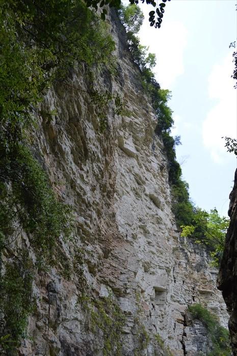 壮观的山谷峭壁。