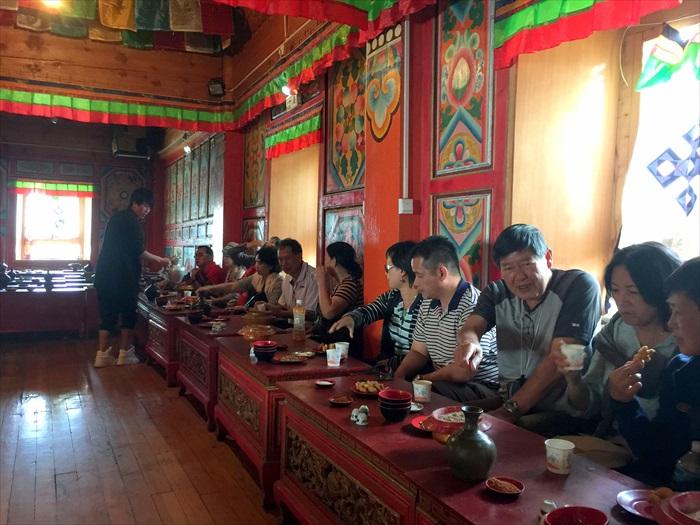 大伙还被安排到白天藏民家访。
