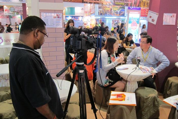 蘋果欧美董事经理李国良(Raymond Lee)也获邀为《8度空间》采访对象,探讨关于马币贬值对旅游业的影响。