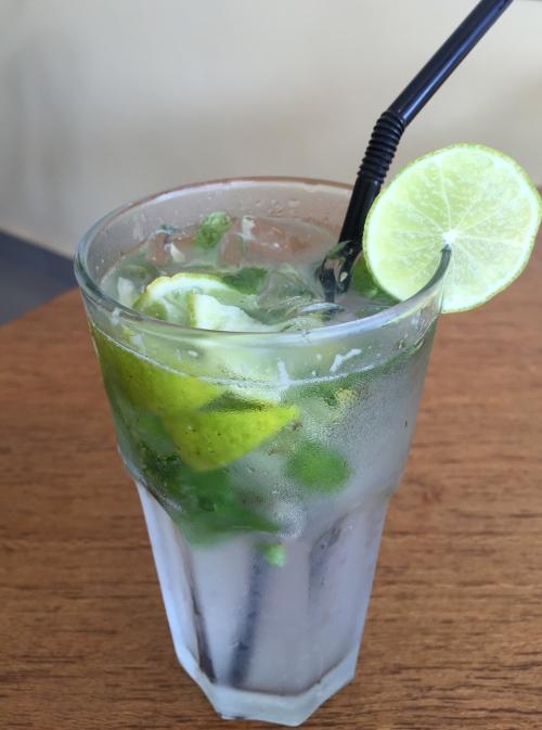 店家提供多种柠檬清新饮料让你喝得畅快解腻!这杯Virgin Mijito虽是季节性饮料,笔者来对时间,为这次的客家之旅带来完美的句点。