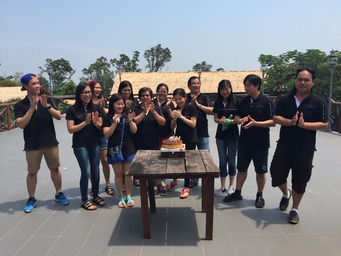 最后的惊喜,给予8月份的寿星男女,祝8月份生辰的蘋果人生日快乐!