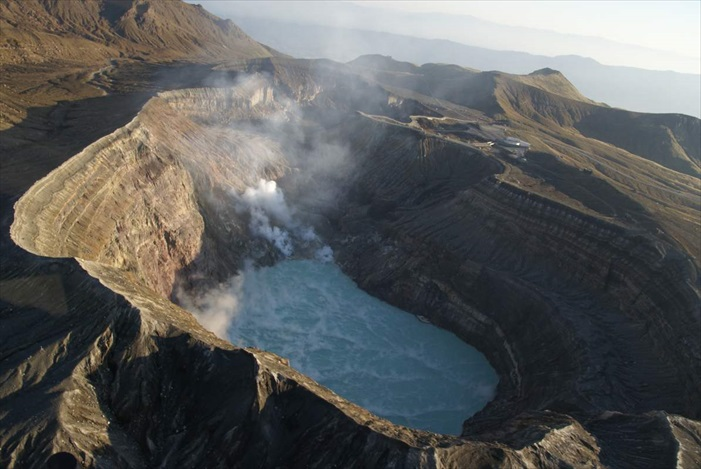 Mount Aso is the one of the main symbolof Kyushu Island!