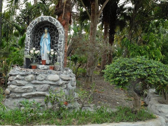街邊的聖母像。
