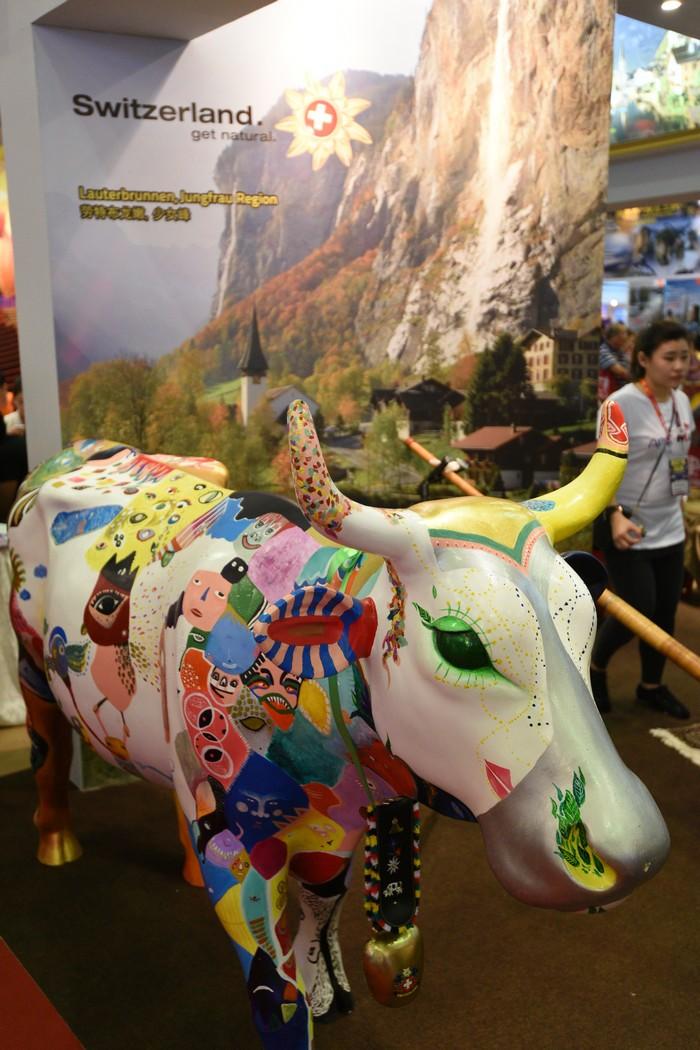 艺术牛牛,绝佳拍摄背景。