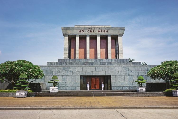 陵墓的灵感来自莫斯科的列宁目与越南建筑的独特成分。