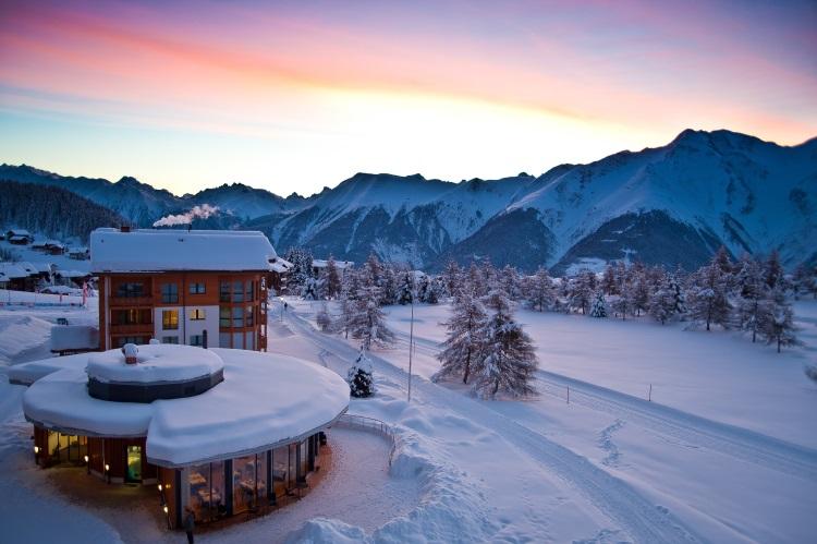 Hotel Royal环境满分, 尤其在雪季, 白色世界极为浪漫。