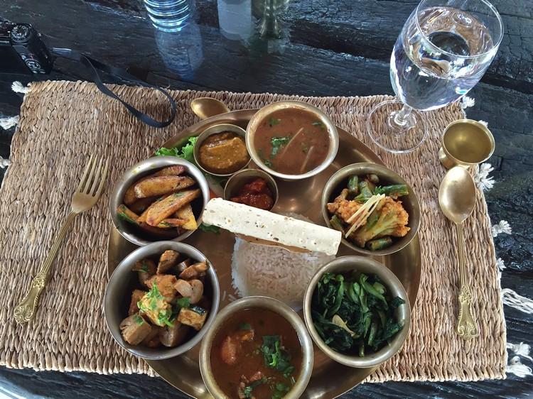 尼泊尔食物以香料取胜。