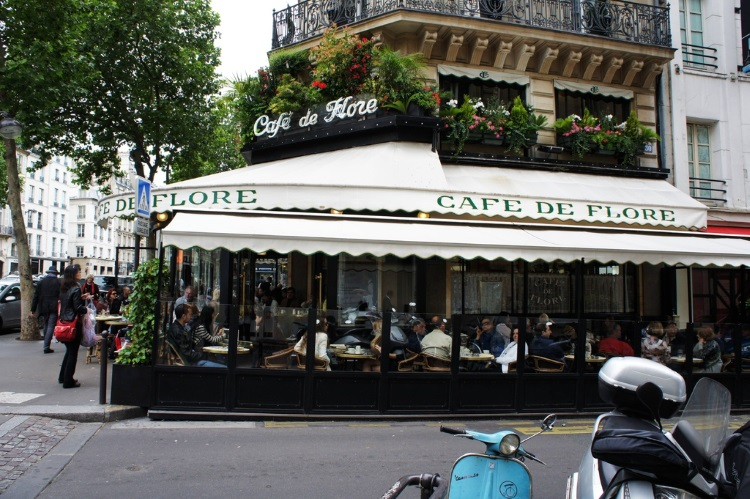 法国巴黎著名的花神咖啡馆(Café de Flore)