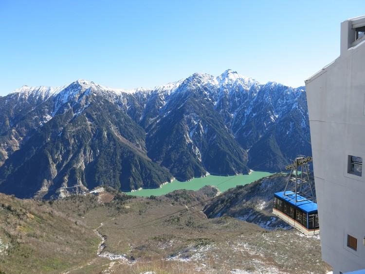 立山的架空索道,是日本最大无支柱的空中缆车。