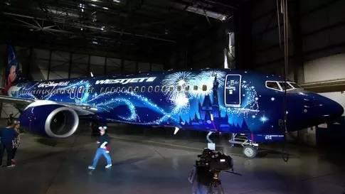 梦幻的蓝色迪士尼飞机!