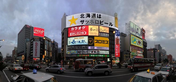 蒲野越夜越热闹,但毕竟这里和新宿齐名,晚上出来走逛的游客建议还是别偏离闹区。