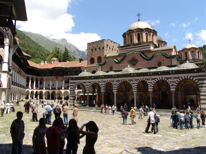 里拉修道院,在1983年列入世界文化遗产名录。