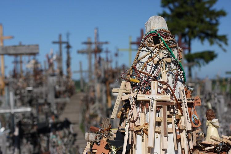 每一十字架,都象征着立陶宛人坚固不移的信仰和信念。