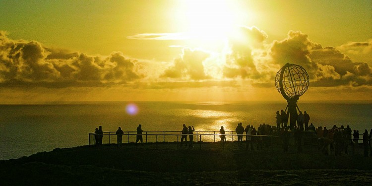 北角的午夜太阳。