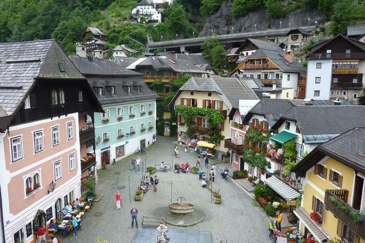 建筑群们洋溢着浓厚的欧式风情。