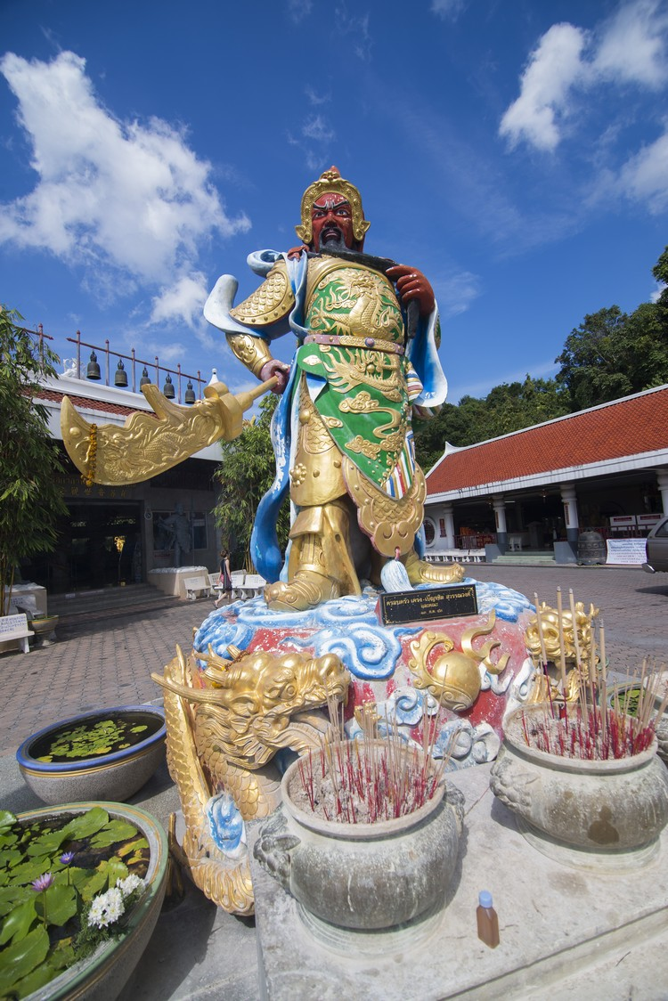 观音庙内有无数的佛像。