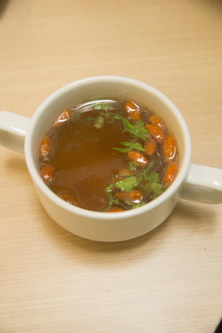 倘若您是不折不扣的中国胃,药材鸡汤、烧卖、白粥等中式早餐,绝对合乎心水。