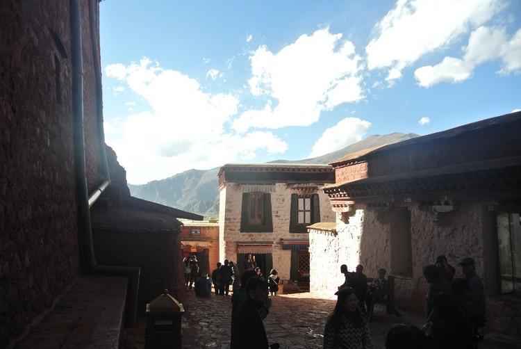 平静地感受西藏独有的灵气吧!