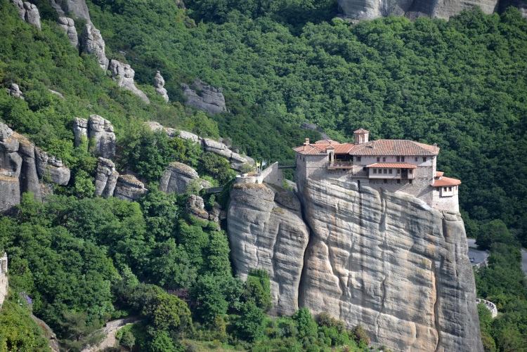 Meteora Monastery (Northern Greece) – World Cultural Heritage with the famous building on a cliff. It was built at the peak where a large rock stood. In the dark ages, the first hermits and monks laid the foundation that became one of the most interesting architecture.