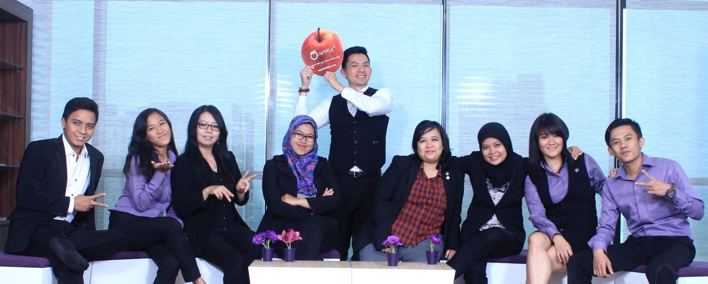 印尼蘋果旅遊(Apple Vacations Indonesia ,简称AVI) 于2016年5月18日雅加达的亚朗苏特拉(Alam Sutera)举办了简单却隆重的开幕典礼,宣告一颗紫色的蘋果飘洋过海,正式在印尼扎根生长!