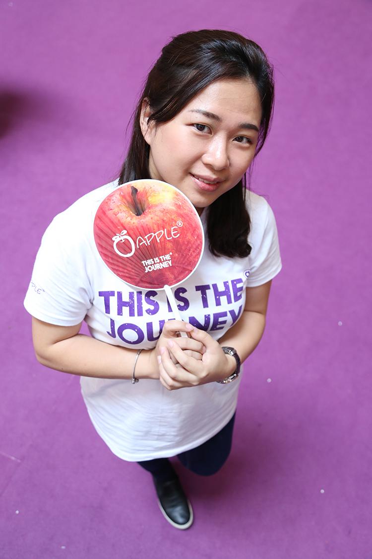 Angela Lee, Apple MICE 1.我要帮蘋果找更多新客户! 2.我想要认识更多喜欢旅游的新朋友! 3.我希望把更多好的旅游产品介绍出去,让更多人认识蘋果!