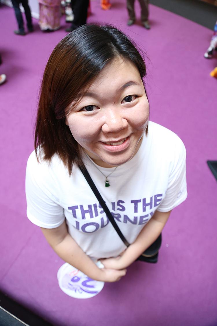 Samantha Yee, Apple Asia OP 1.我觉得旅展挑战根本就在挑战人体极限,但也同时证明蘋果人是可以的! 2.我看清了很多事情,也更了解更部门的运作,看到更多团体精神! 3.我感到惊喜,原来前来的民众对蘋果都有一定的了解!