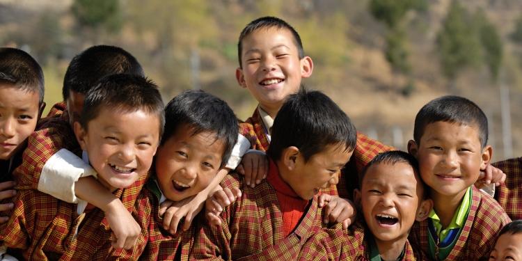 蘋果包机吉隆坡直飞不丹 - 遇见不丹 · 世界上幸福指数最高、世界上唯一的碳平衡国家。