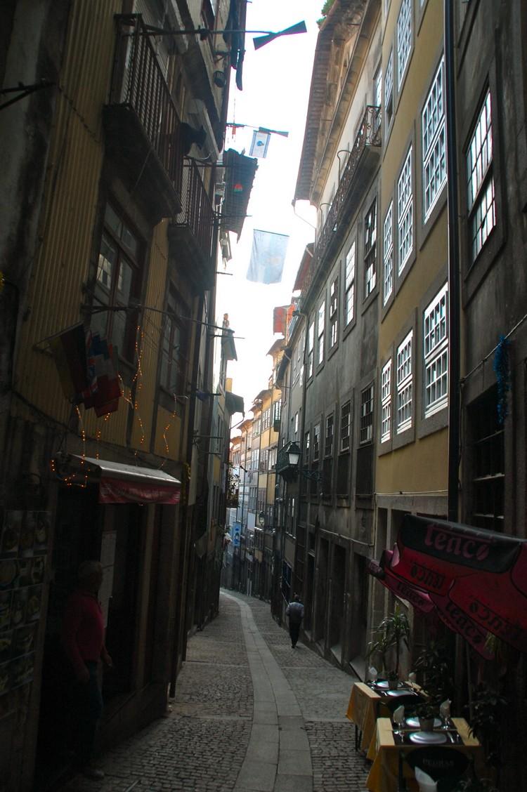 小的巷弄,车子一样可以行驶其中。