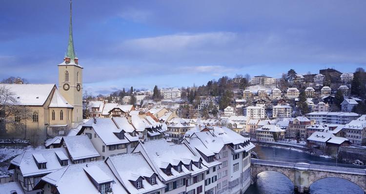 在瑞士伯尼尔玫瑰公园,可让你鸟瞰如画册般的老城区美景。