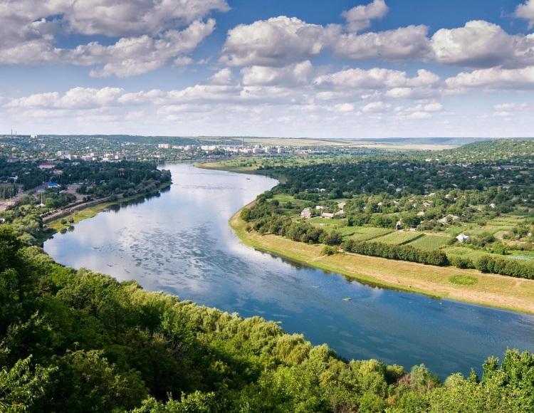 摩尔多瓦的西部边界是由普鲁特河(Prut River)形成的。