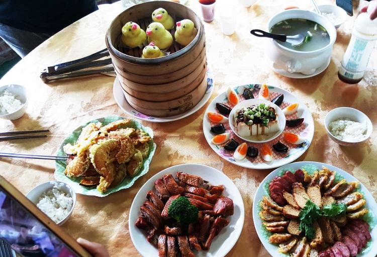 农场田妈妈餐厅准备的全鸭宴让我们停不了口!