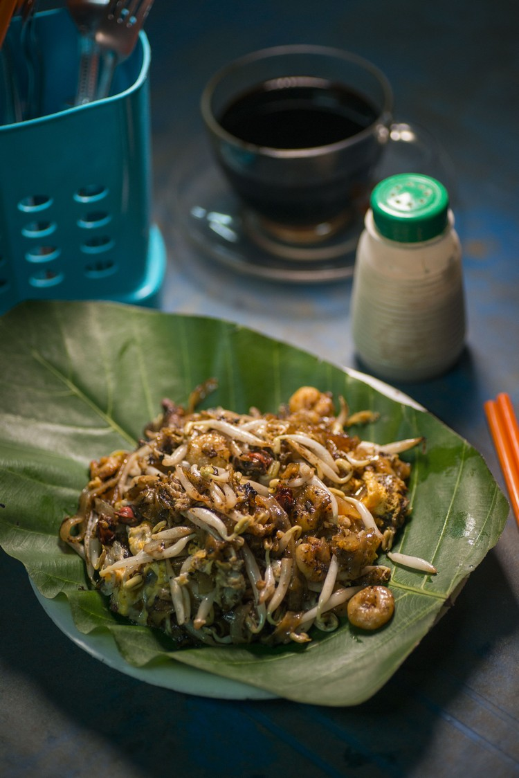 鸭蛋炒粿条(RM3.80) 有别于槟城炒得干身的炒粿条,亦不像马来人炒得油腻,有点湿却不油,火喉十足,粿条与配料各司其职。