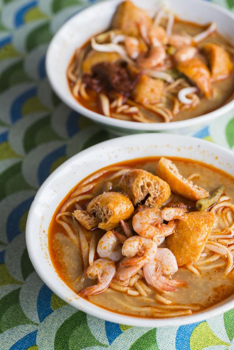 咖喱面(RM3.50) 游十八丁必吃咖喱面,这碗面充满着新鲜小虾子、豆腐卜、豆芽和长豆,或许来得太迟(3pm多),配料少了猪血和血蚶。
