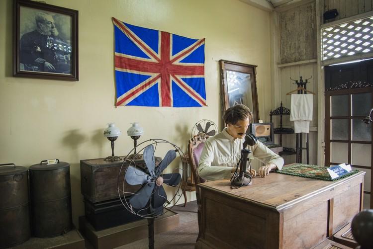 英殖民时代,古堡曾被征用作英国政府行政署。