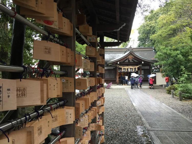 田县神社,是一个膜拜男生生殖器官的神社。