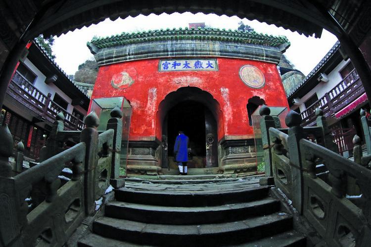 武当道教以武当山为山本,乃中国道教重要流派,历史悠久。