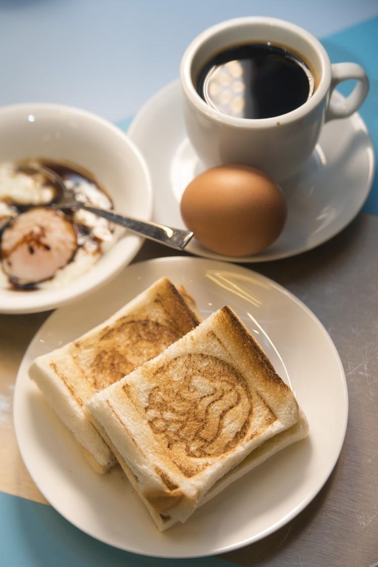 Toast Set(含2份烤面包、2粒半熟蛋、1杯黑咖啡)
