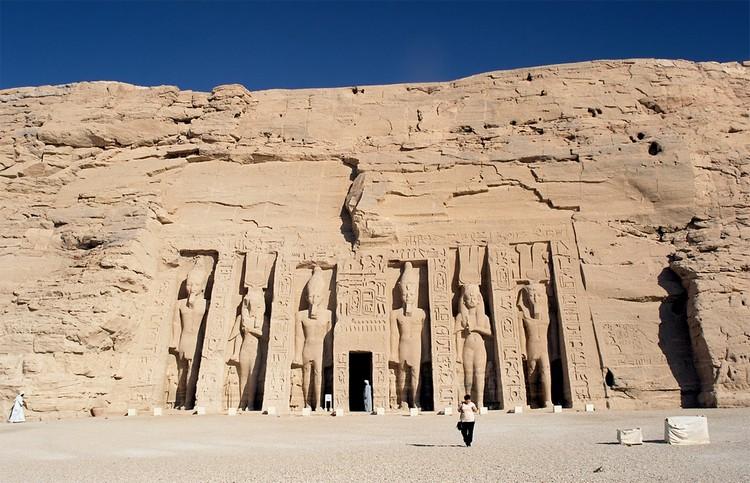 纳法塔莉神殿