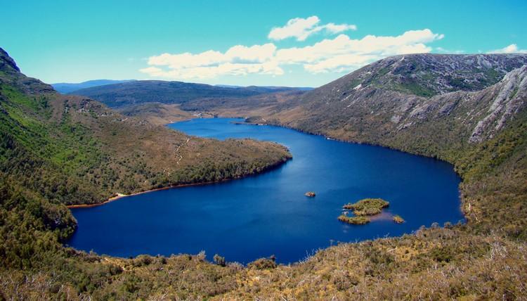 白鸽湖(Dove Lake)是公园景色中,最优美的要数景点。