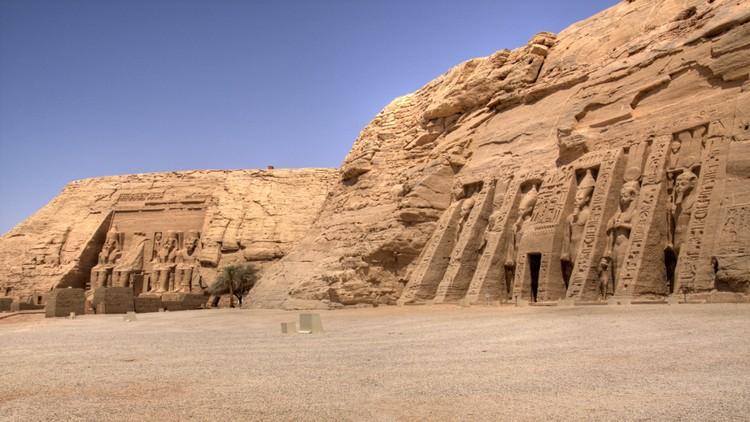 Templos de Rameses II y Nefertari