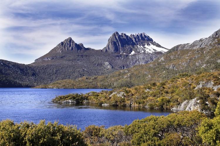 最著名的地标之一莫属摇篮山国家公园(Cradle Mountain National Park),也是徒步爱好者的天堂。