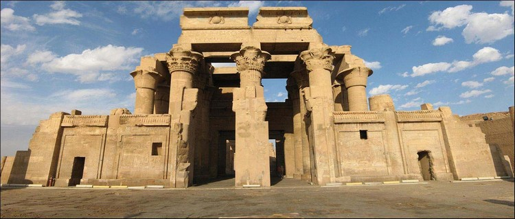 Kom Ombo Temple Panorama