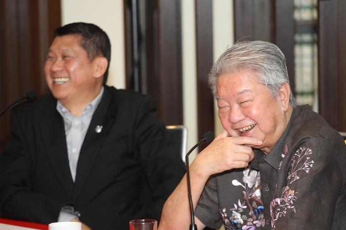 发布会上笑容不断,阵阵的欢笑声也成了合作美好的开始。