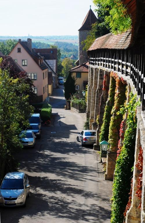 总长2.5公里,将罗腾堡完整包围的城墙非常适合环城散步。