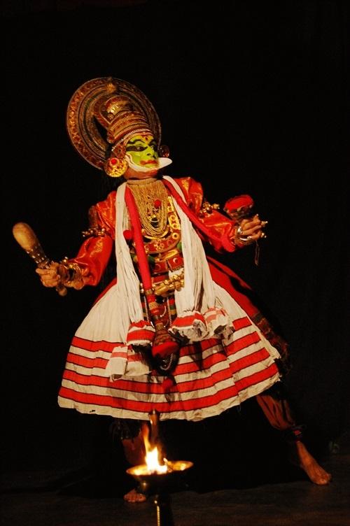 Kathakali传统戏剧表演。