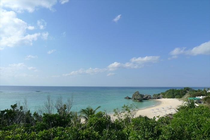 冲绳沿岸四周环海,是个充满动感与魅力的旅游胜地。